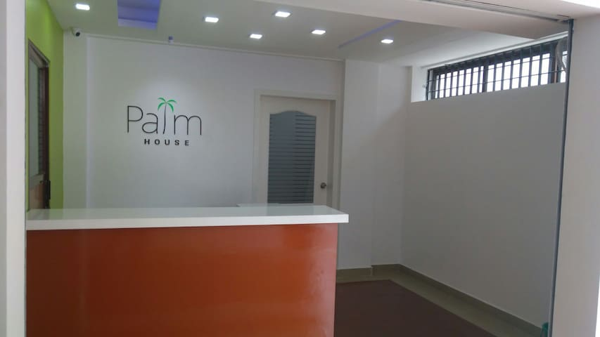 Palm House - 2BD with parking - Ernakulam - Appartement