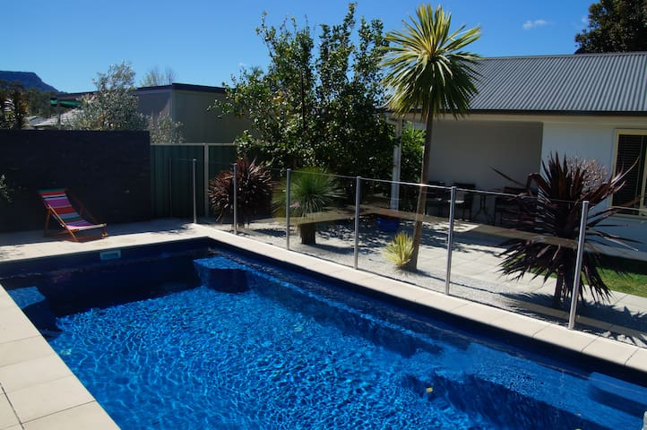 South Coast self contained B&B studio - Horsley - Bed & Breakfast