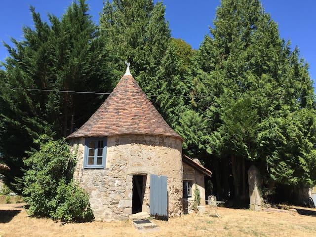 Charming bijou holiday home. - Saint-Mathieu - Blockhütte