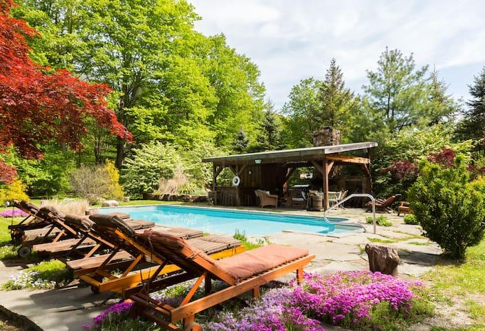 Cozy Retreat Hot Tub+Sauna+Gym+More - Garrison - Huis