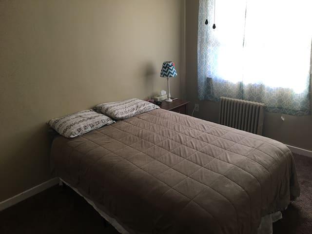 Private bedroom in Baldwin/Pleasant Hills - Pittsburgh
