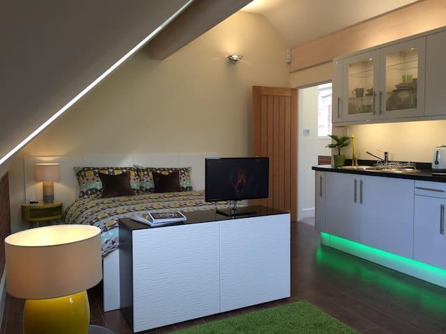 5* Self-contained studio apartment - Worcestershire - Huoneisto