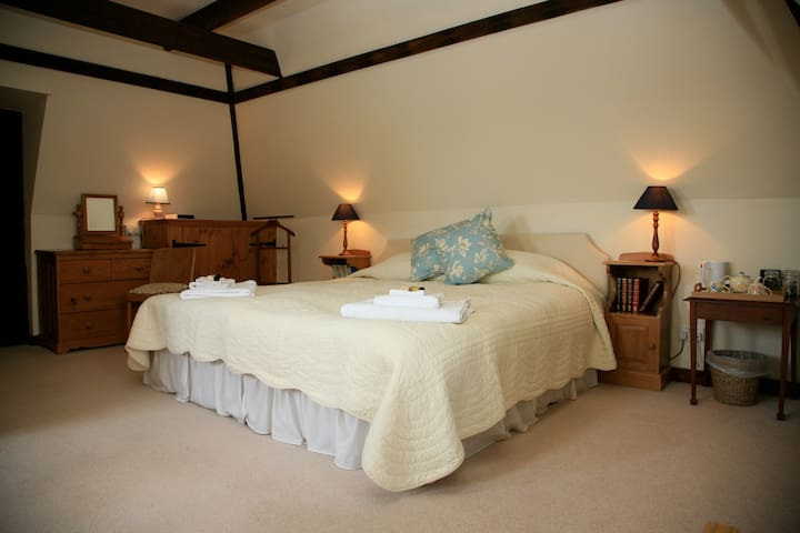 Located in the country, peace, see stars at night - Biddenden - Bed & Breakfast