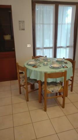 Appartamento in villa singola - Borgarello - Departamento