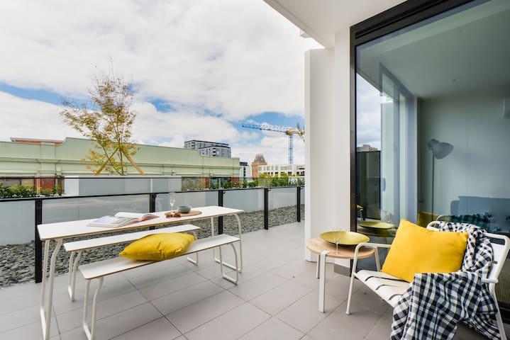 HENDRICKS: Stylish & bright 1 bedroom apartment - Collingwood - Pis