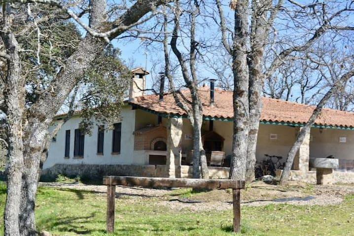 Country house in the middle of nature - Villasbuenas de Gata - Villa