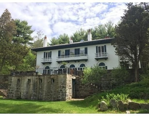 10 bedroom Italian Vacation Villa - Manchester-by-the-Sea - Vacation home