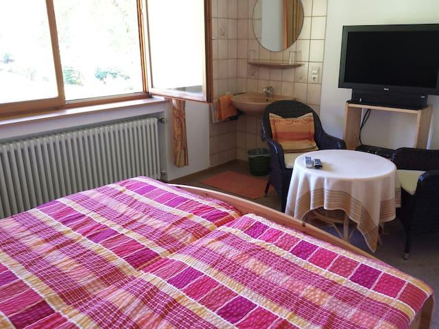 Gemütliches Zimmer im Grünen - Oberwolfach - Ev