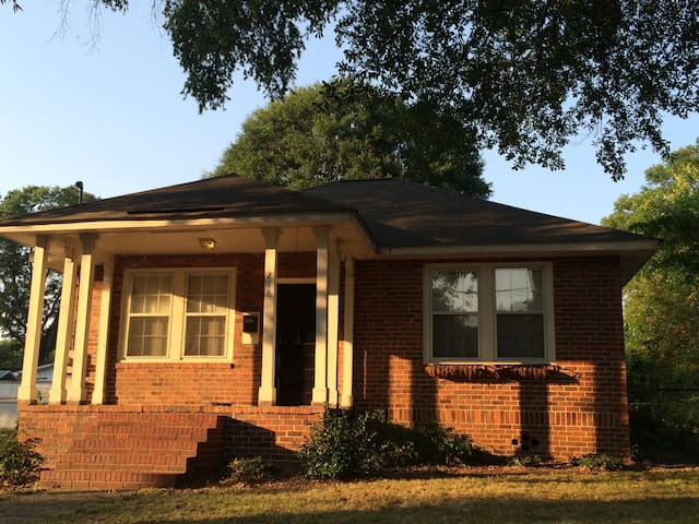 All Brick 2br/1ba Home with a Great Location - Rome - Dom