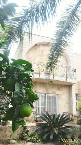 Country side home & garden - Kaukab Abu al-Hija - Ev