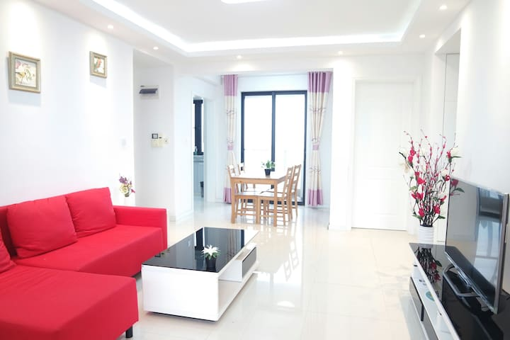 1号线宝安公路西500米整租高层阳光充沛电梯花园公寓两室两厅 - Shanghai - Leilighet