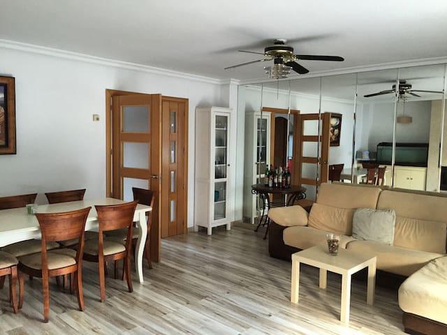 Bonita habitación individual :) - Villaviciosa de Odón - Apartamento