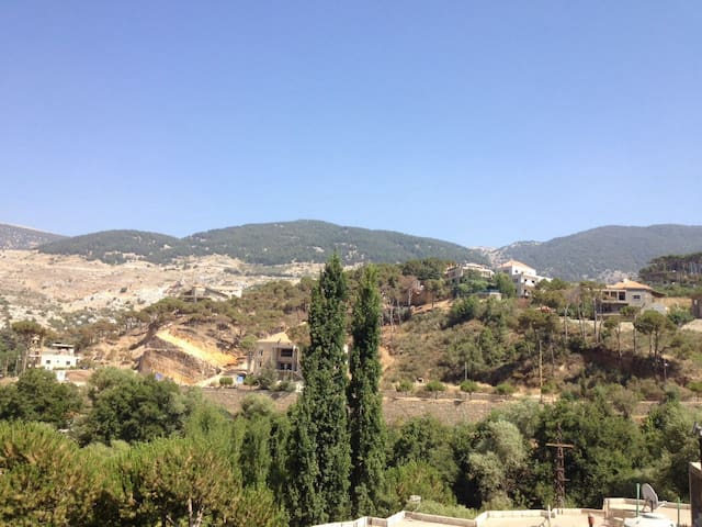 Furnished apartment with great view - Barouk - Lägenhet