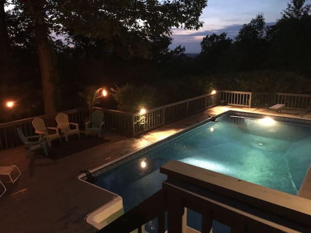 Xavier Acres Retreat / Whole House - Mountainville - Hus