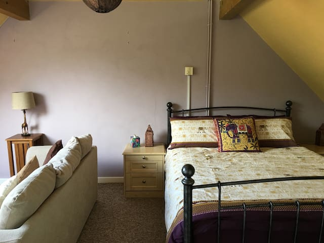 A Large Double/Family ensuite B&B in Watlington - Watlington - Bed & Breakfast