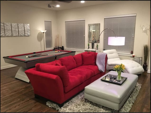 2nd Great Room in East Downtown - Houston - Radhus