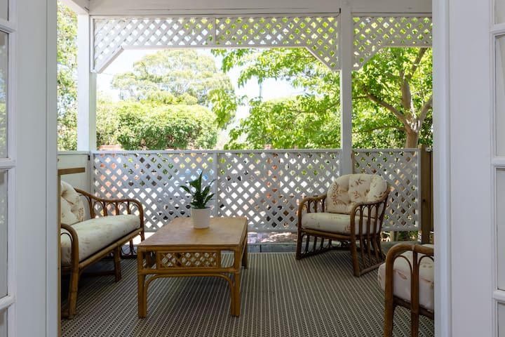 Character Cottage Private Garden Suite 3kmPerthCBD - Mount Hawthorn - アパート
