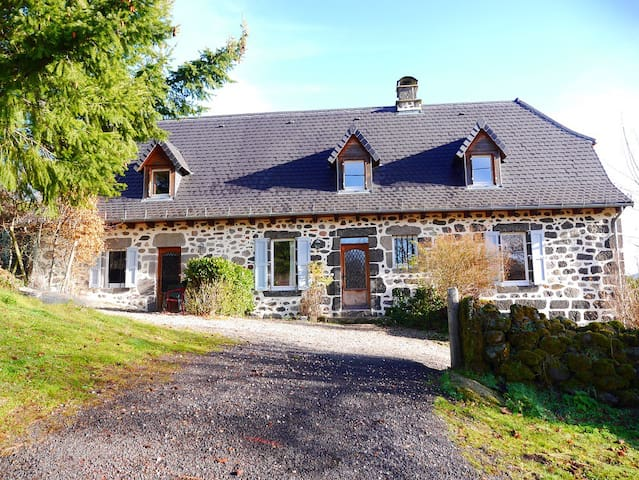 Large holiday cottage in the French countryside - Laroquevieille - 산장