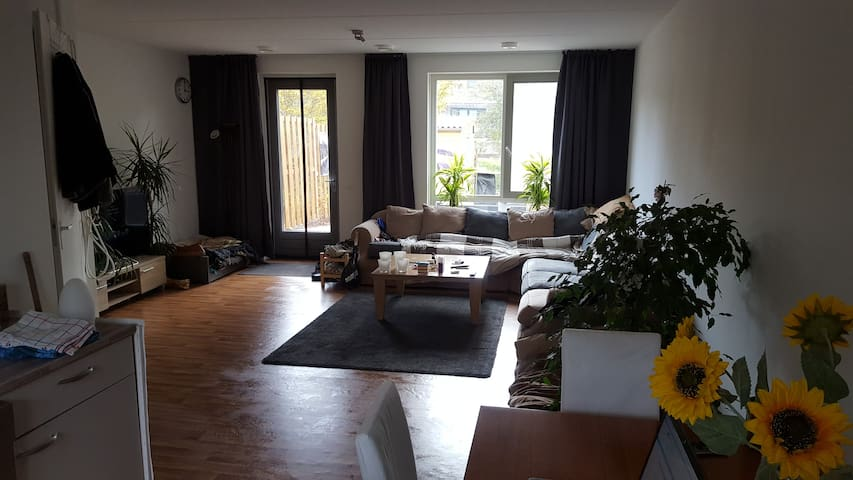 Recently build spacious corner house - big garden - Doetinchem - 獨棟