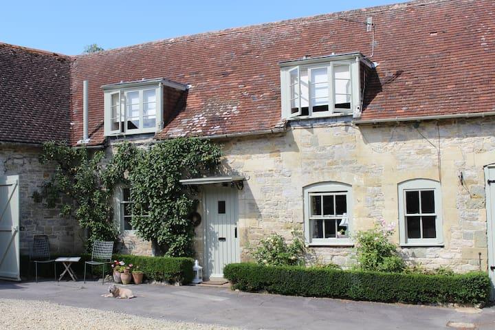 Garden Cottage sleeps 2/4 - Salisbury - Dom