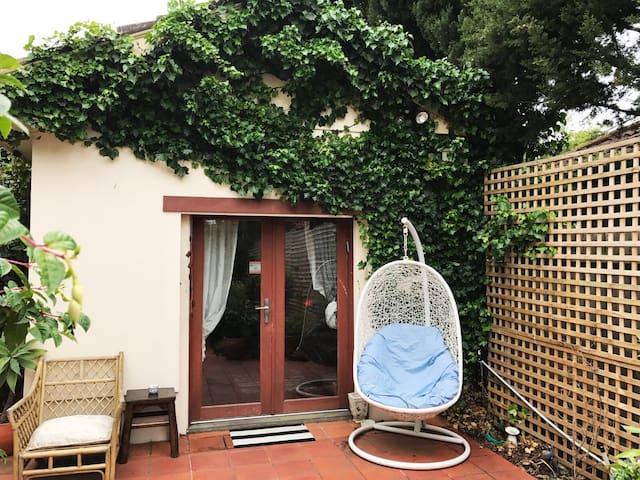 Charming little home - Caulfield - Casa