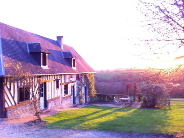 La Maison d'Amis,( Domaine La Ferme Saint Michel ) - Cambremer - Rumah