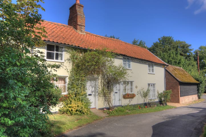 2 Cottages next to each other 20 mins to Cambridge - Fowlmere - Andere