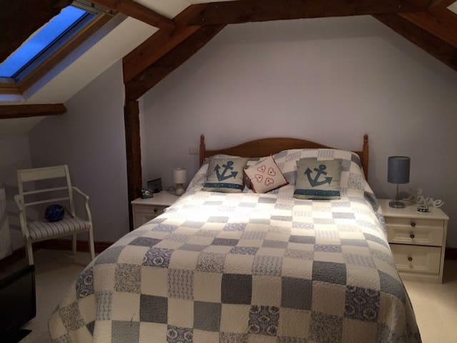 En-suite room in Converted Barn -Tamar Valley - Saint Mellion - Vindsvåning