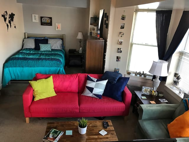 Eclectic Downtown Studio with Parking - Indianapolis - Wohnung