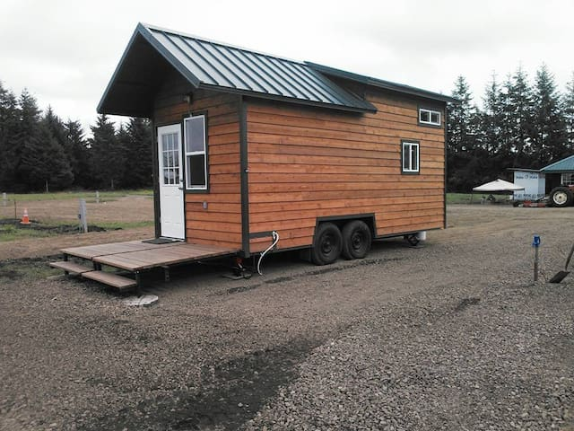 Tiny House on Tires - Forks - Houten huisje