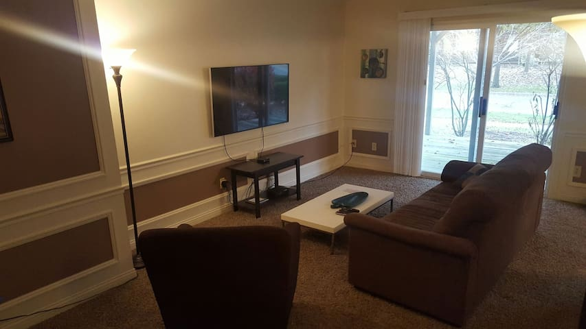 First floor apartment near the theater - Maumee - Departamento