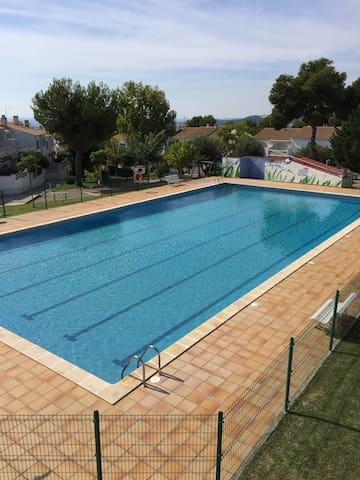 Casa acogedora a 5 minutos playa calafell - El Vendrell - Huis