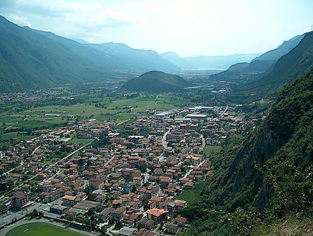 Stanza doppia in Valle Camonica - Piamborno - Daire