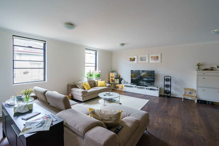 Private Room, Sunny duplex unit in the Inner West - Marrickville