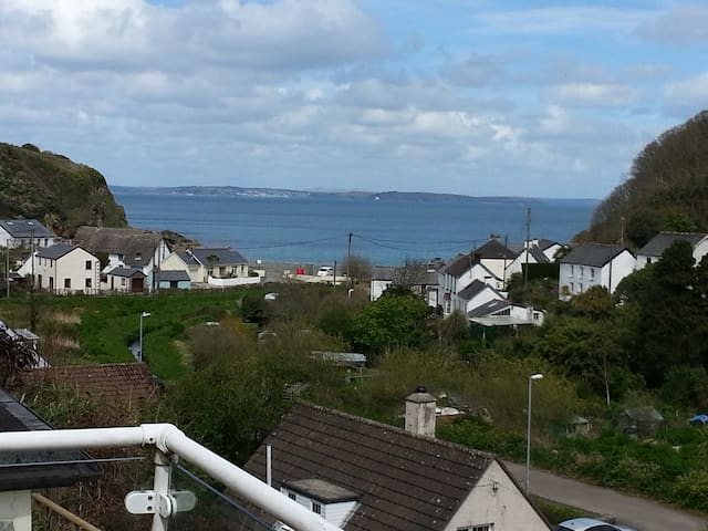 Sea-view apartment in Porthallow (Cove View) - Cornwall - Daire