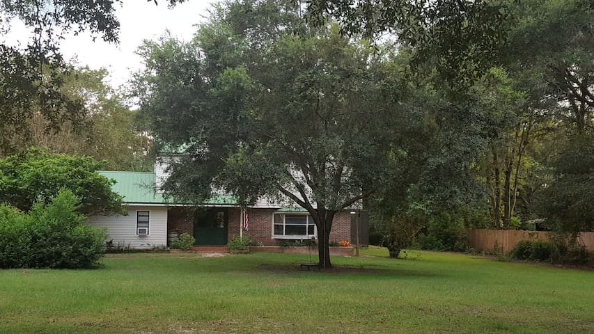 Smith Acres - Charming Family Friendly Pool Home - Brooksville - Ev