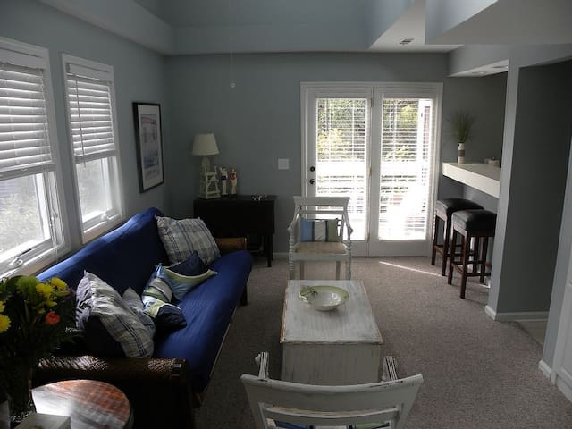 Great Rates!  Screen Porch!  Pool! - Seabrook Island