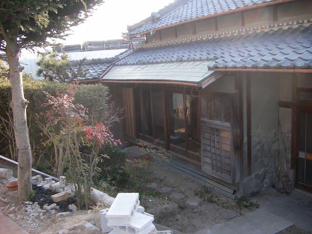 日本伝統の古民家、築50年昔の日本の家です。 - Takatsuki - Huis
