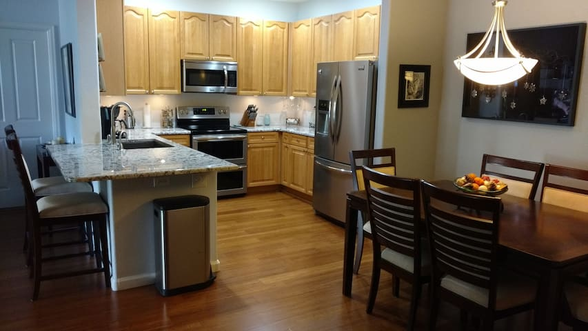 Great value in our cozy clean condo - Littleton