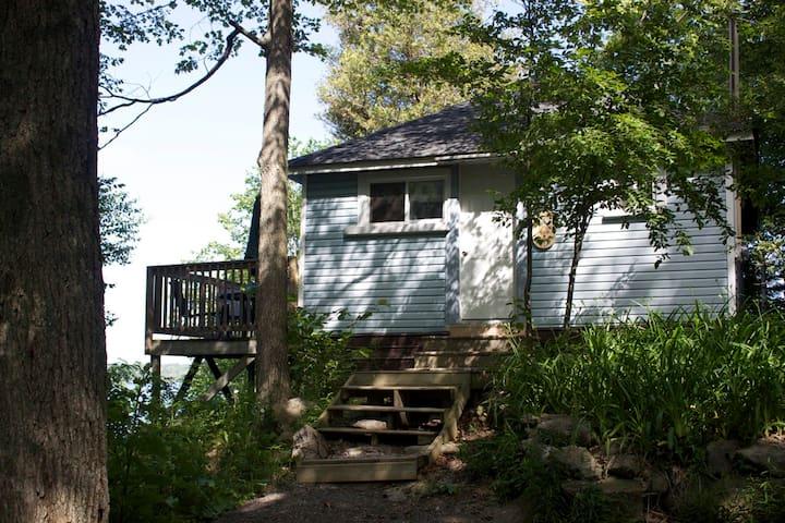 Birch Bend Resort - The Balsam - Lakefield - Kabin
