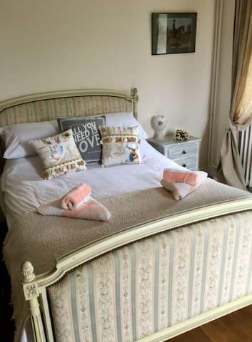 Le Gustavienne Bed Breakfast Mouliherne France - Mouliherne - Bed & Breakfast