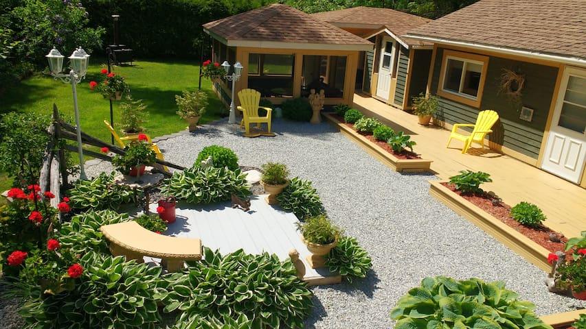 Morning Mist Guest House - Evansville - Casa de huéspedes
