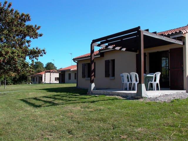 Villa 6 personnes  avec base de Loisirs - Moncontour - Villa