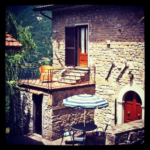 Tuscan Hillside Villa - Vergnano - Hus