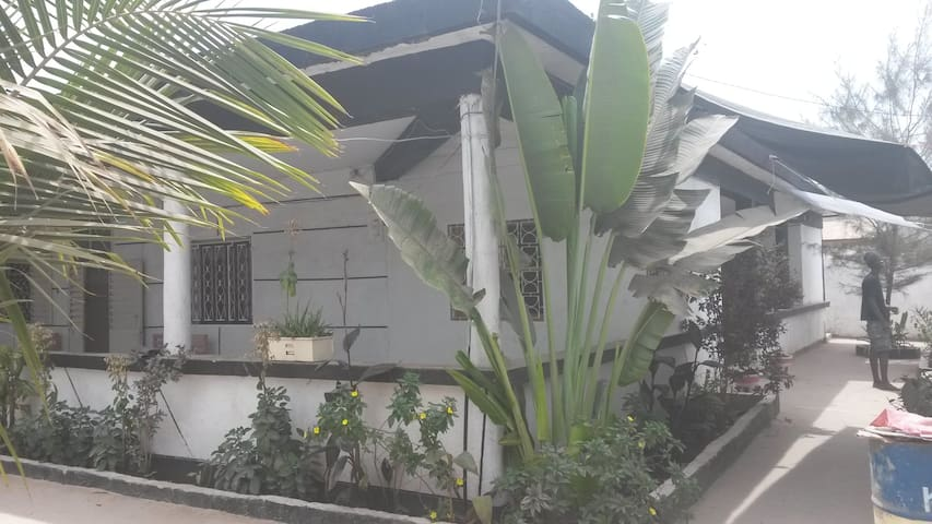 House sycounda in the city-center- apartement1 - Ziguinchor - 단독주택