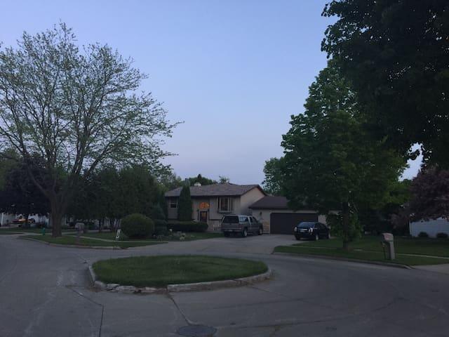 Backyard Paradise - Appleton - Huis