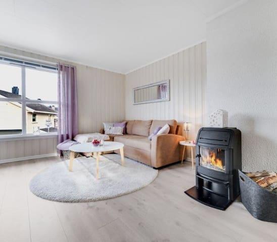 Lys og trivelig leilighet i attraktivt område - Kristiansund - Daire