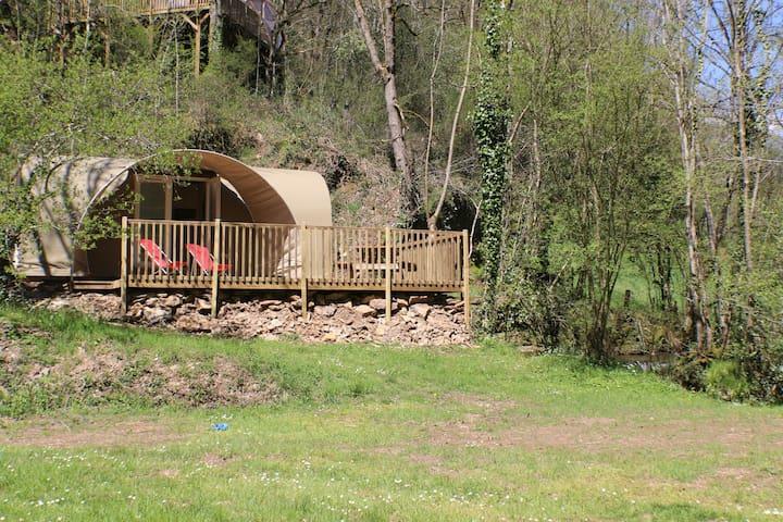 Petit bungalow fun au milieu de la nature - Saint-Constant - Bungalow