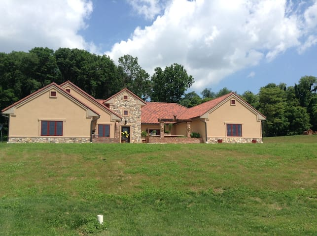 Stunning European Style Home - Wrightsville - Ház