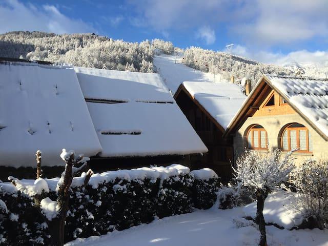 chambre chez l'habitant à 100 m des pistes de ski - Saint-Chaffrey - Lejlighed